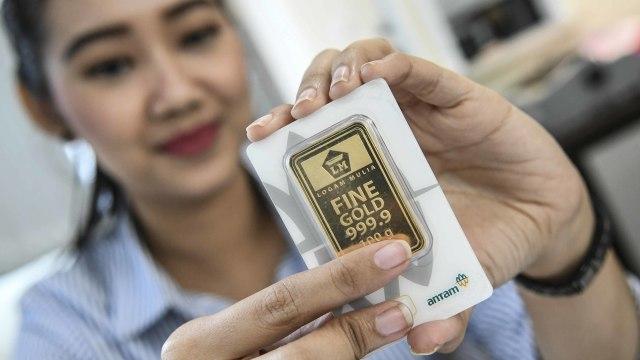 Terus Tertekan, Harga Emas Antam Hari Ini Turun Rp 3.000 (11027)