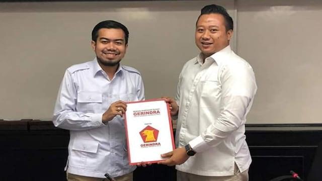 Prabowo Teken SK Menantu Wako Firdaus sebagai Pimpinan DPRD Pekanbaru (14948)