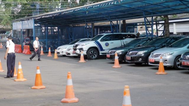 Calon Peserta Pilkada Pakai Mobil Dinas ke KPU, Bolehkah? (2507)