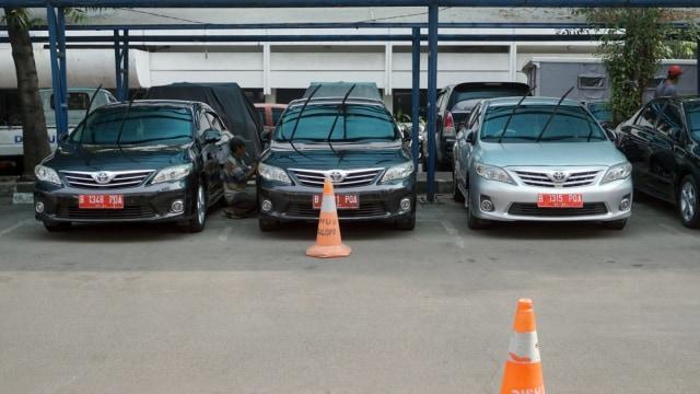 Calon Peserta Pilkada Pakai Mobil Dinas ke KPU, Bolehkah? (2505)
