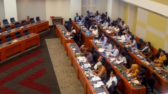 DPR Tolak Usulan Pemerintah Turunkan Target PNBP Minerba (320824)