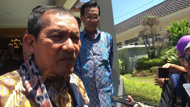 Saut Situmorang Setuju Dibentuknya Dewan Pengawas KPK (232939)