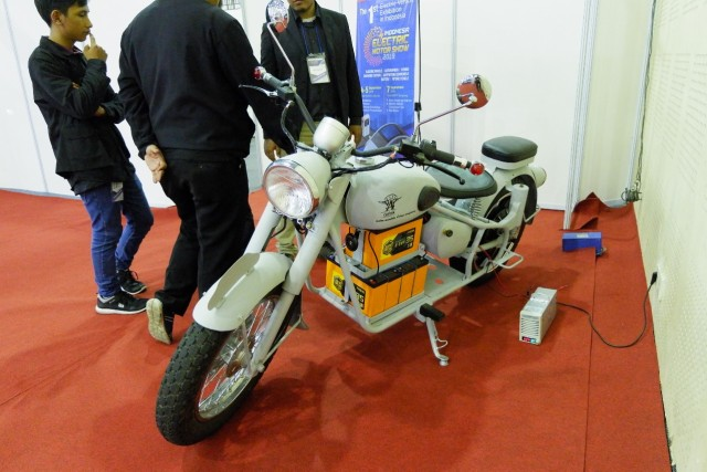 Konversi Sepeda Motor Bensin ke Listrik Dapat Lampu Hijau, Ini  Syaratnya (53327)
