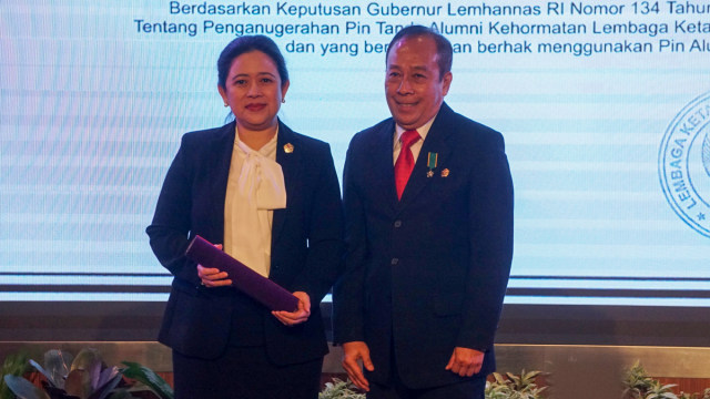 Image result for Acara Penganugerahan Pin Tanda Alumni Kehormatan Lembaga Ketahanan Nasional