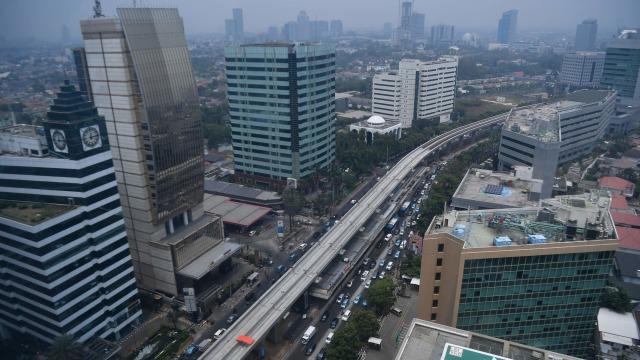 Jokowi Hapus Proyek Pesawat R80 Habibie, Lanjutkan Kereta Cepat Jakarta-Bandung (111017)