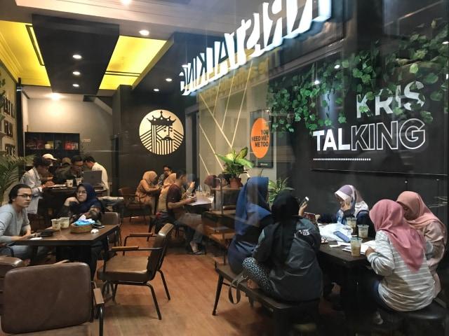 Nikmatnya Minuman Berbahan Dasar Karamel di Kristalking, Kota Malang (521840)