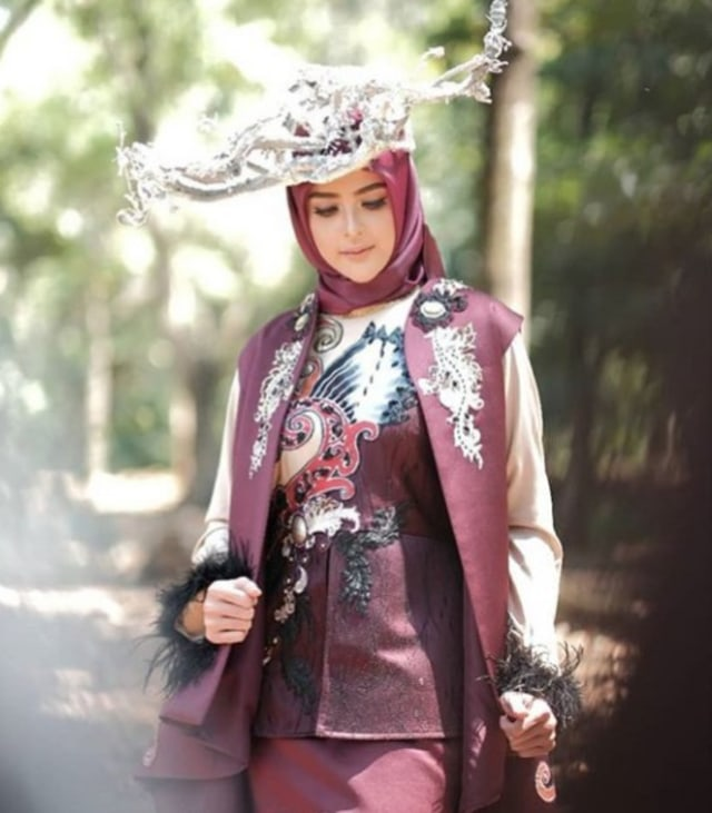11 Desainer Busana Muslim Indonesia Pamer Koleksi Di New