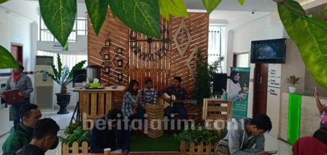 Pelayanan Unik ala Kafe Kekinian di Kantor BPJS Ketenagakerjaan Kediri (96746)