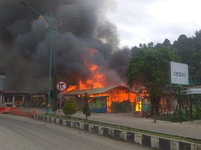 Polisi Tetapkan 3 Orang Tersangka Pembakaran Pasar Thumburuni, Fakfak (958548)