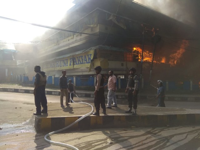 Polisi Tetapkan 3 Orang Tersangka Pembakaran Pasar Thumburuni, Fakfak (958549)