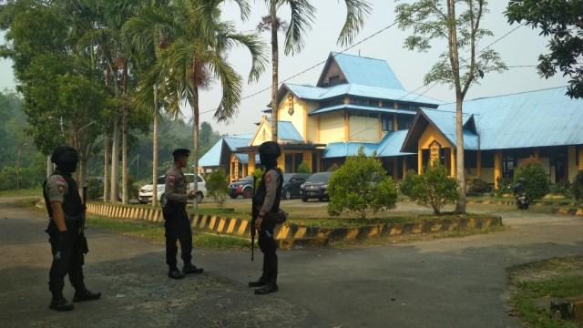 KPK Geledah Ruang Kadis PUPR dan Kantor Bupati Bengkayang (26363)