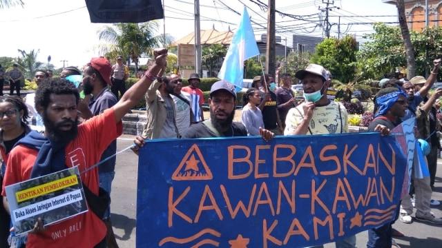 Aksi di Bali, Mahasiswa Papua Desak Pembebasan 7 Kawannya di Jakarta (505)
