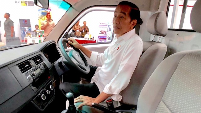 Presiden Jokowi, Esemka
