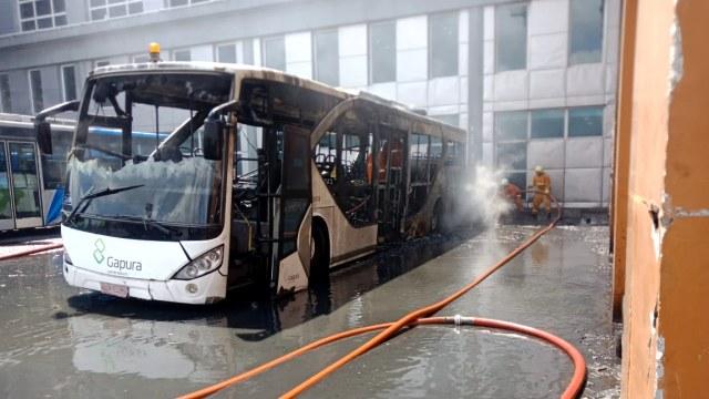 Tak cuma di Mobil Penumpang, APAR Juga Barang Wajib di Dalam Bus Mulai 2021 (93240)