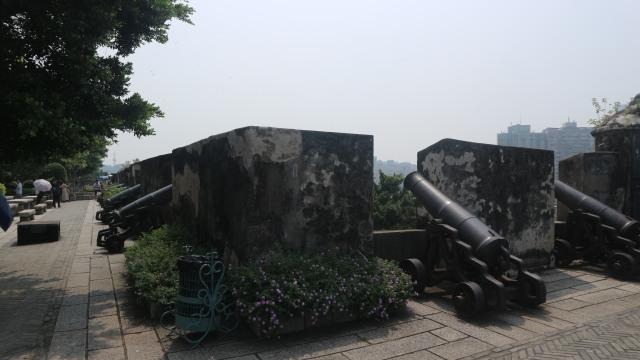 TRAVEL, Macao, Meriam-meriam mejan di Mount Fortress, Macao