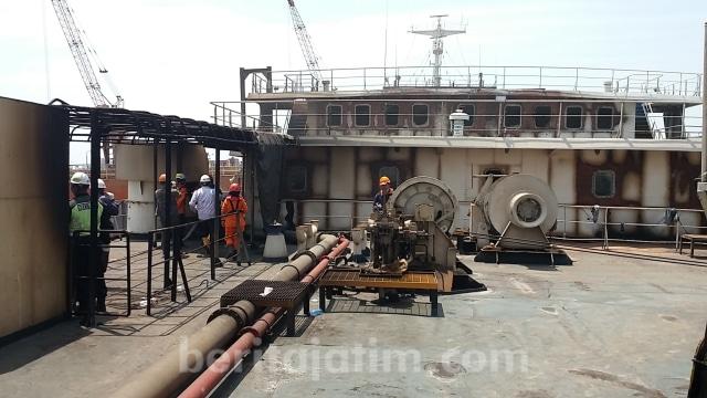 Operasi SAR Ditutup, 2 Penumpang KMP Santika Nusantara Belum Ditemukan (42014)