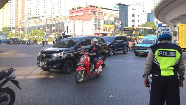 Langgar Ganjil-Genap, Pengendara di Jalan Pramuka Salahkan Google Maps (49181)
