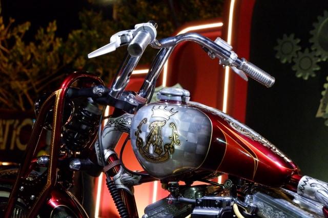 Modifikasi Harley-Davidson FXR: Lawas dan Berkelas (1502436)