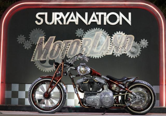 Modifikasi Harley-Davidson FXR: Lawas dan Berkelas (1502432)