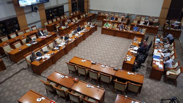 Sepuluh calon pimpinan Komisi Pemberantasan Korupsi (KPK), tes pembuatan makalah di Komisi III DPR RI, Komplek Parlemen, Jakarta