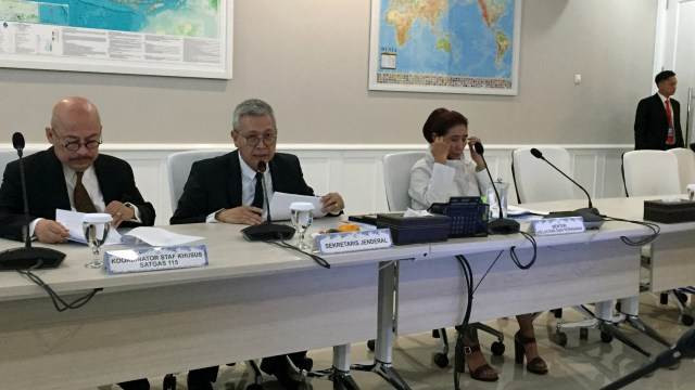Konferensi Pers Menteri Kelautan dan Perikanan Susi Pudjiastuti