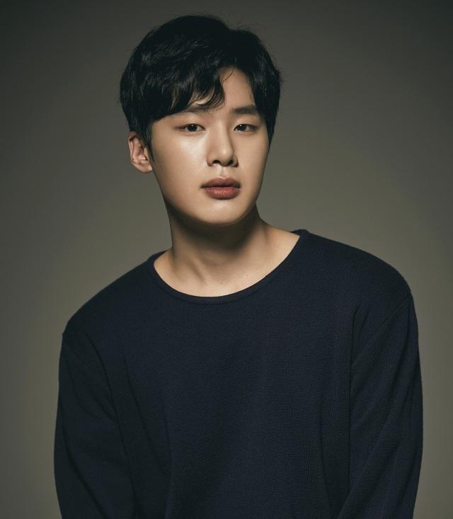 Kim Dong Hee 2.jpg