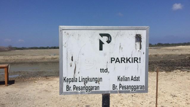 Menteri BUMN Rini Soemarno, meninjau proyek reklamasi Pelabuhan Benoa
