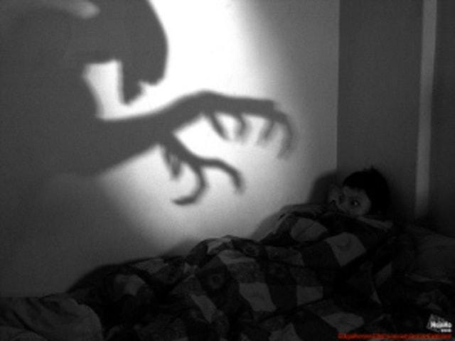 Dua Malam Mimpi Buruk (102848)
