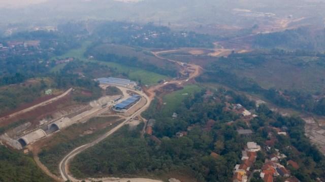 Gambar udara progress pembangunan kereta cepat Jakarta-Bandung