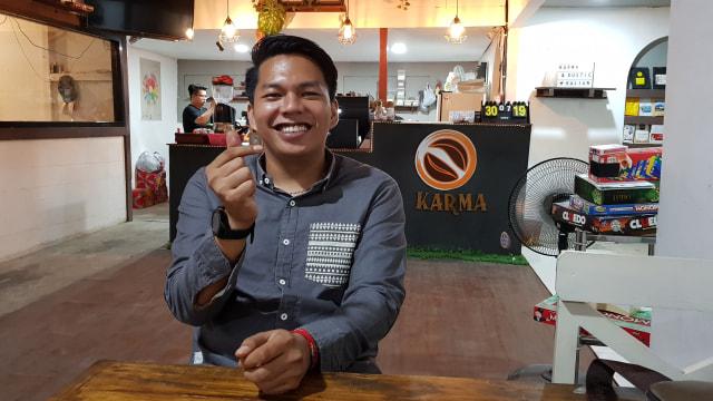 Ryanto, Coffeepreneur Samarinda yang Berkarya Melalui Secangkir Kopi (1013637)