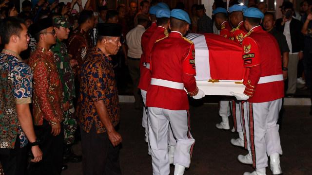 Ma'ruf Amin hingga Wiranto Melayat ke Rumah Duka BJ Habibie (91302)