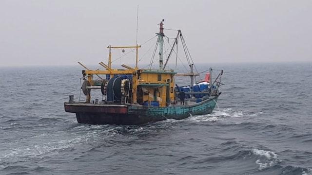 KKP Tangkap Satu Kapal Ilegal Malaysia di Selat Malaka (80477)