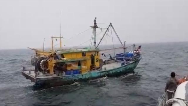 KKP Tangkap Satu Kapal Ilegal Malaysia di Selat Malaka (80476)