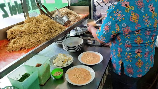 7 Restoran Tertua di Indonesia, Ada yang Masih Bertahan Meski Sudah 100 Tahun! (174363)