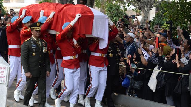 Foto: Peristirahatan Terakhir BJ Habibie (78519)