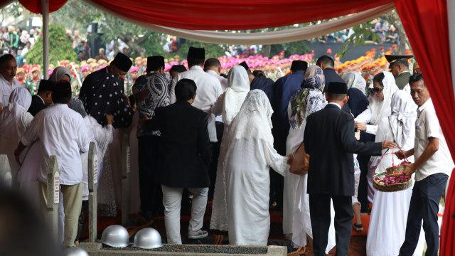 Foto: Peristirahatan Terakhir BJ Habibie (78524)