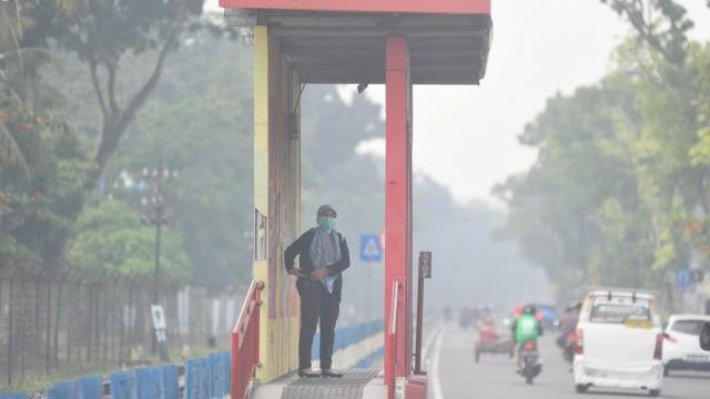 Kabut asap di , kebekaran hutan dan lahan, Padang, Sumatera Barat