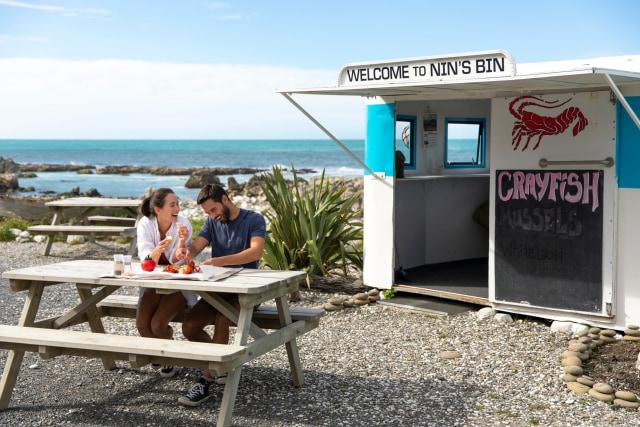 Nin's Bin, salah satu tempat populer di Selandia Baru yang menjual seafood