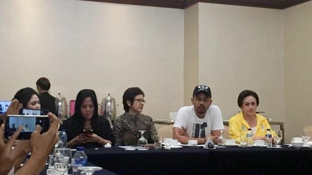 Konferensi Pers Acara Penganugerahan Caleg Golkar, Nurul Arifin