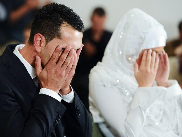 Ilustrasi pernikahan di Arab
