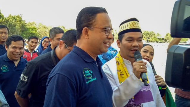 Lebaran anak yatim yang dihadiri oleh Gubernur DKI Jakarta, Anies Baswedan