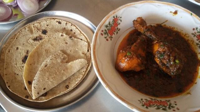 Roti dan ayam kurma_rumah makan cambay.jpeg
