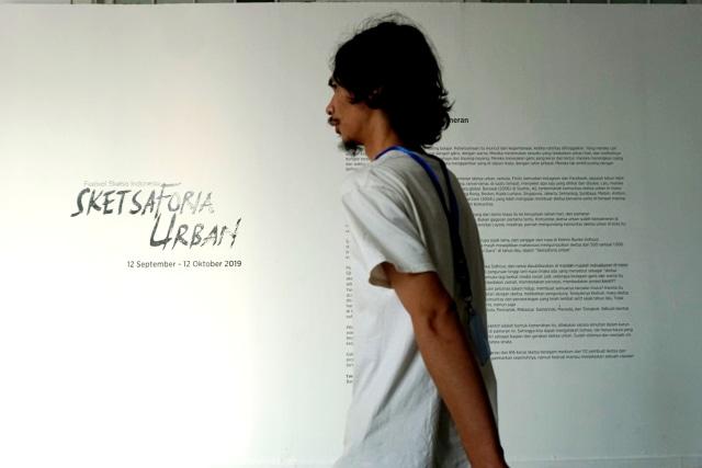 Foto: Menikmati Karya Seni di Pameran Sketsaforia Urban (53974)