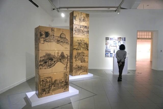 Foto: Menikmati Karya Seni di Pameran Sketsaforia Urban (53968)