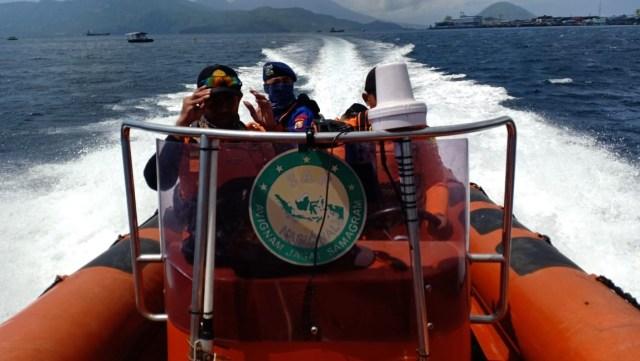 Dihantam Ombak Saat Melaut, Seorang Nelayan di Halbar Belum Ditemukan (64073)