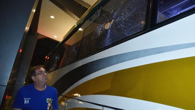 Bus Persib dilempari oknum tak bertanggung jawab saat melintasi daerah Sentul, Bogor, Pelatih Persib, Robert Rene Alberts
