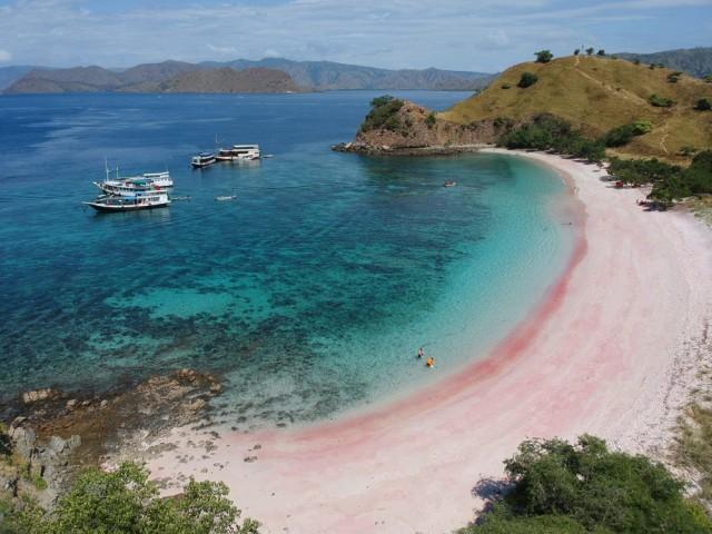 5 Pantai di Indonesia yang Punya Pesona Bak di Luar Negeri (137538)