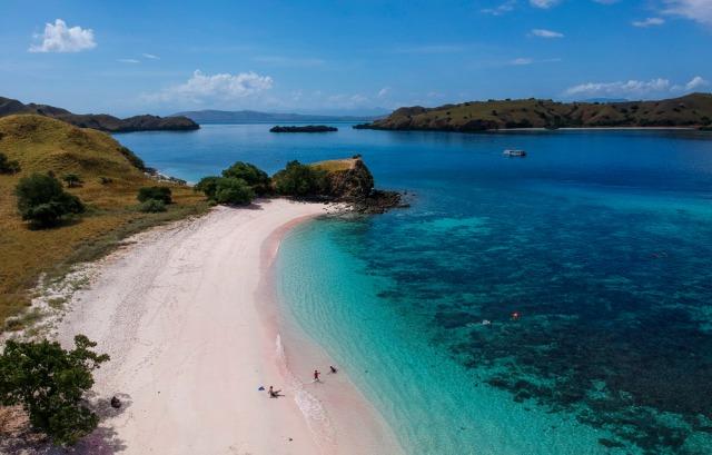5 Pantai di Indonesia yang Punya Pesona Bak di Luar Negeri (137537)