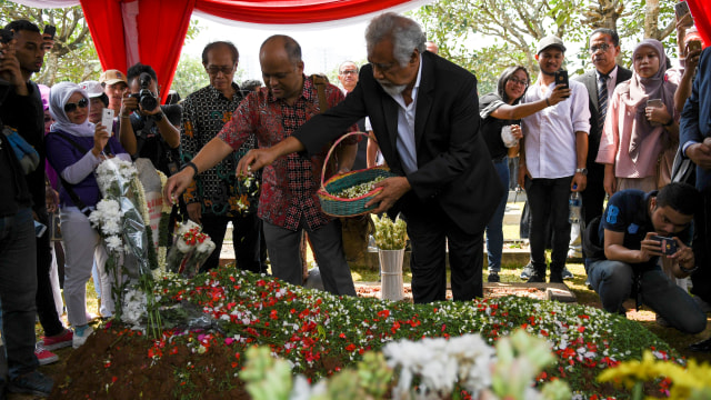 Foto: Xanana Gusmao Ziarah ke Makam BJ Habibie (472113)