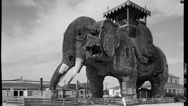 Lucy the Elephant, Salah Satu Bangunan Tertua di AS (345765)